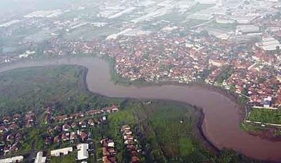 Sungai Citarum (jakartaforum)