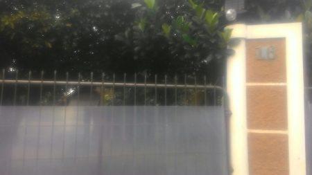 Suasana rumah Wali Kota Cimahi nonaktif Atty Suharti, pasca penggeledahan oleh KPK, Jumat (2/12).